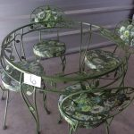 Outdoors Table and chairs | Des Moines Auction | Store It America